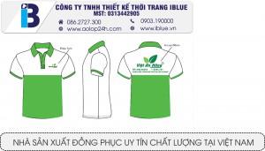 mẫu áo thun cổ trụ xanh trắng